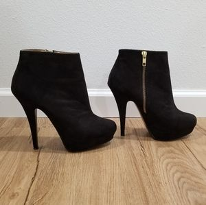 Aldo Platform Ankle Boots With Gold Zipper 7.5